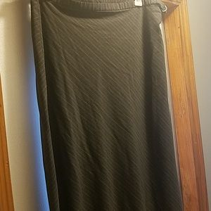 old navy long gray skirt size 14 stretch